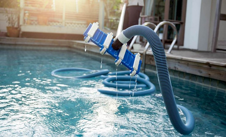 Tips about Employing the Pool Service provider