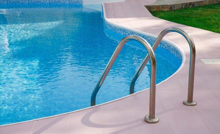 Chlorine Disinfection With regard to House Pools — To become Or even To not End up being?
